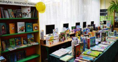 jedynka-czyta-dzieciom-4